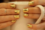 goldy nails